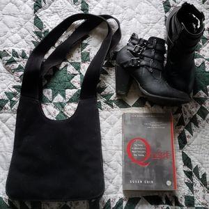 Vintage black suede purse 🌠